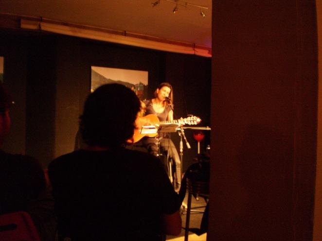 María Rain cerrando el evento con sus canciones